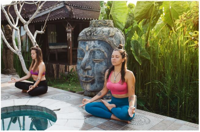 You can stay in Chiang Mai even in a yoga retreat